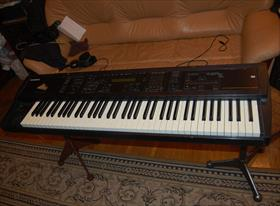 Ремонт Ensoniq MR-76 у заказчика дома