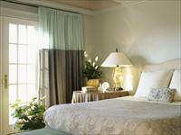 Варианты дизайна спальни в нежных тонах